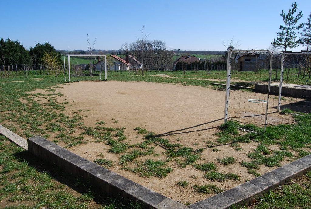 Renovation-un-terrain-de-sport-dans-le-Val-de-Vienne-Etape-1-Le-reperage-du-terrain-de-sport